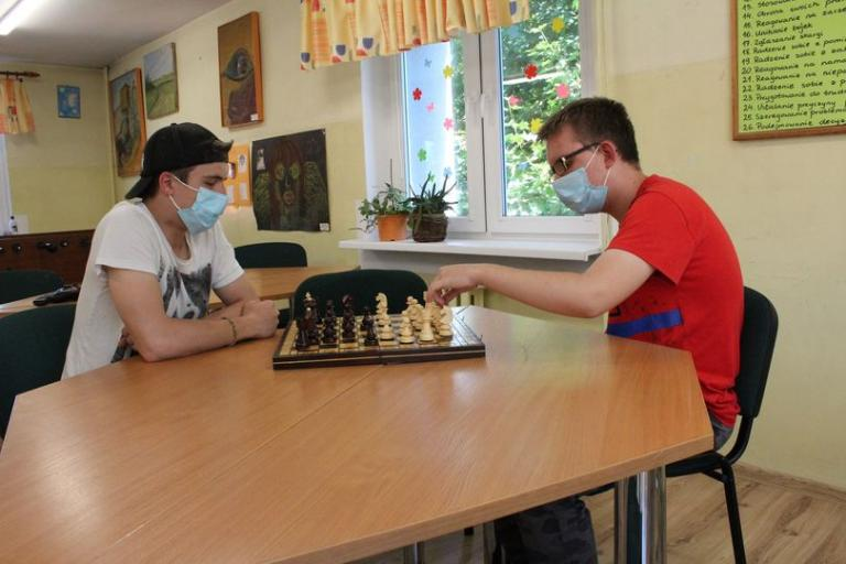 Przygotowania do konkursu szachowego w stargardzkim OSiW