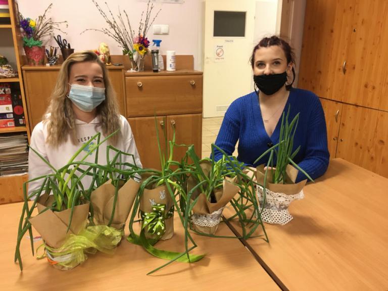 Łomża: Życzenia na Wielkanoc składają uczestnicy Hufca Pracy