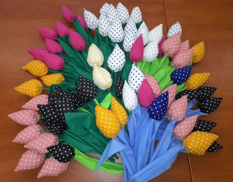 Wasilków: Tulipan z warsztatów krawieckich na Dzień Kobiet