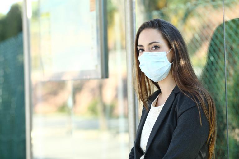 Obowiązek zakrywania twarzy