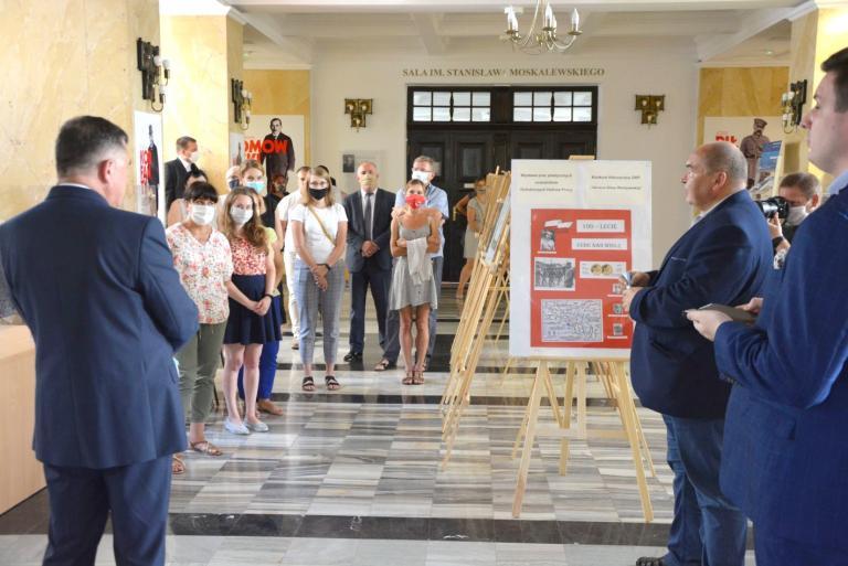 """Wystawa prac laureatów konkursu """"100-lecie Bitwy Warszawskiej"""""""