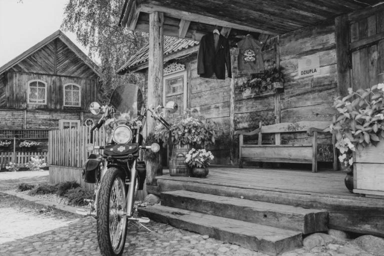 Białystok: W czarno-białym kadrze