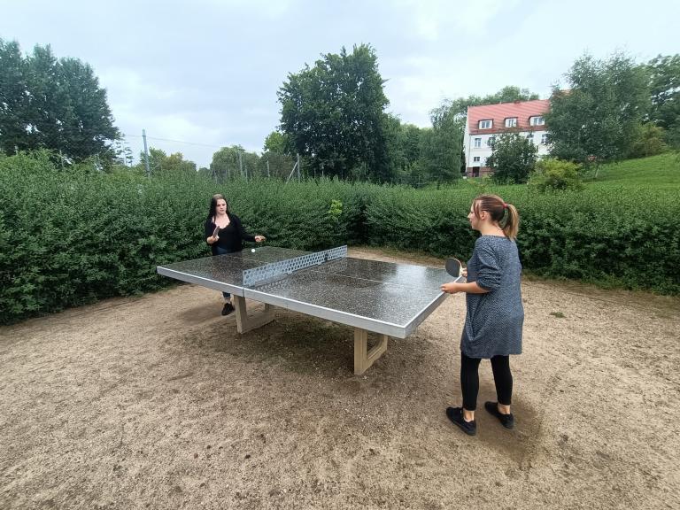 Tenis stołowy w deszczu