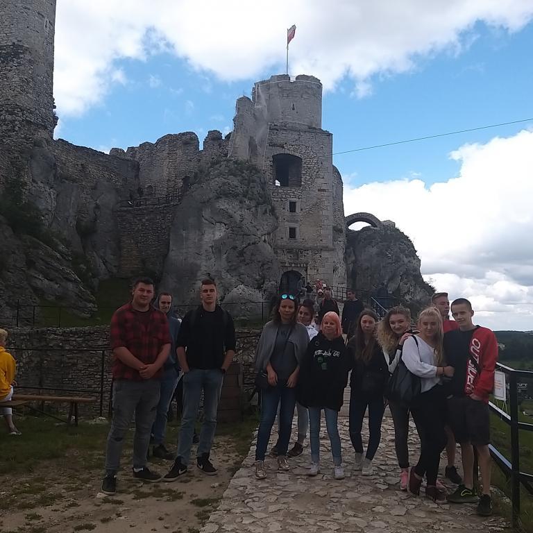 Żywa lekcja historii na zamku w Ogrodzieńcu