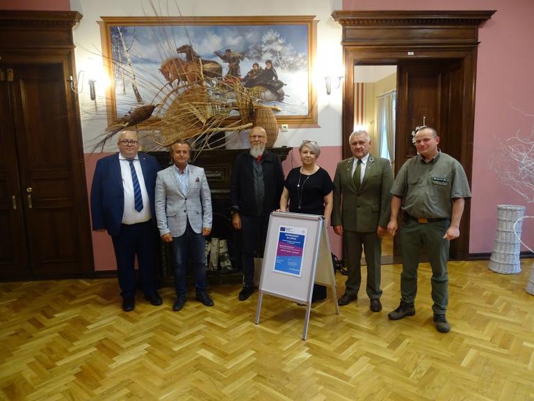 """Otwarcie wystawy """"Wiklina – sztuka i rzemiosło"""" w OSiW w Chraplewie"""