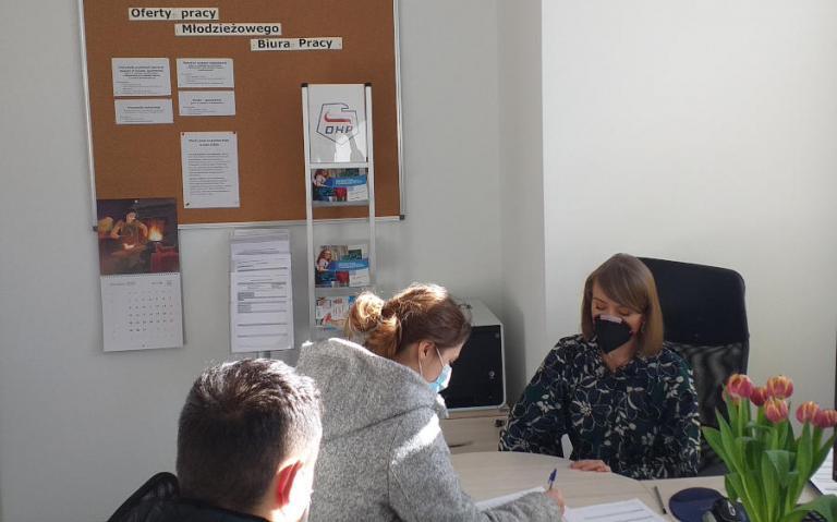 Białystok: Pośrednictwo pracy dla młodzieży poszukującej zatrudnienia