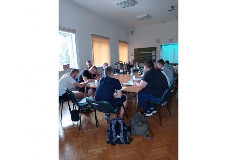 Zakończenie części teoretycznej szkolenia na wózki jezdniowe w MCK w Śremie