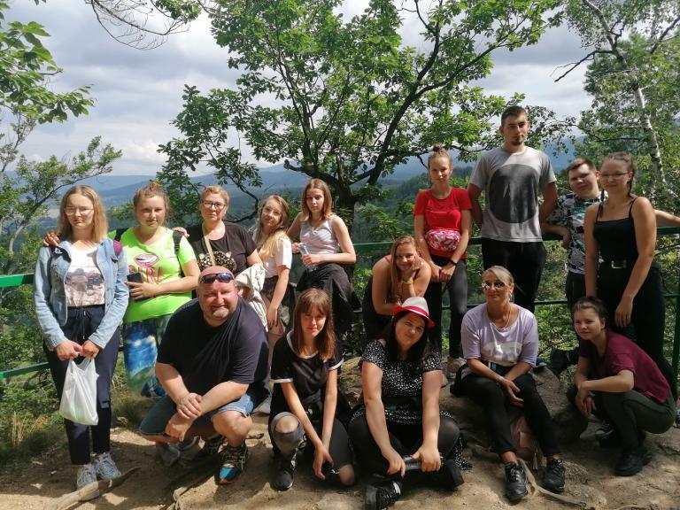 Aktywny wypoczynek uczestników kaliskiego Hufca Pracy w Mysłakowicach
