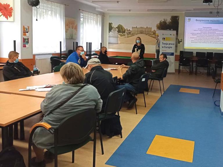 Praca sezowa z EURES – dni doradcze w MOPS w Wasikowie