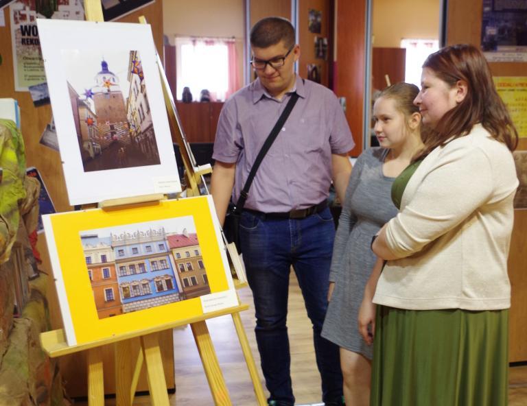 """""""Lublin w obiektywie"""" – wystawa prac fotograficznych uczestniczki lubelskiego Hufca Pracy"""