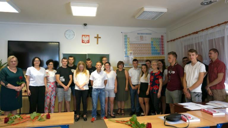 Zambrów: Uroczyste zakończenie roku szkolnego 2020/2021