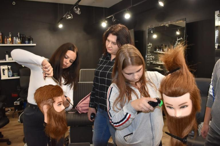 Łomża: warsztaty z barberingu