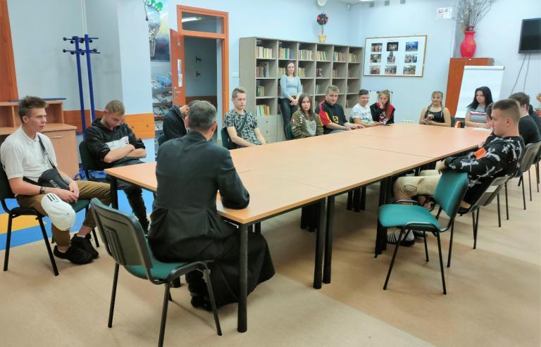 Wasilków: Spotkanie uczestników OSiW z księdzem Adamem Anuszkiewiczem
