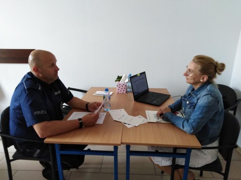 Spotkanie z policjantem w Hufcu Pracy w Gostyniu