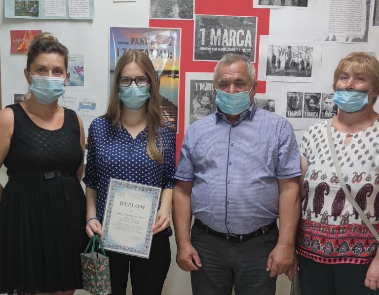 Nagroda dla Edyty Krzaczkowskiej – absolwentki roku OHP na etapie wojewódzkim