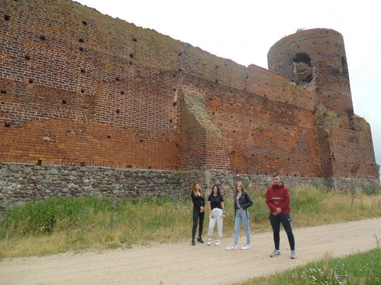 Wycieczka do ruin zamku w Kole